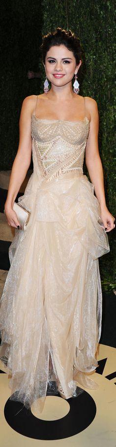 "Selena Gomez 2013 Vanity Fair Oscar Party  ✮✮""Feel free to share on Pinterest"" ♥ღ www.fashionupdates.net"