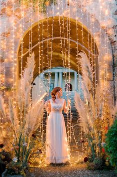 Rustic Vintage Bridal Inspiration in Tuscany Perfect for Fall Weddings – Antonis Prodromou – Villa Di Maiano 65 Let your imagination run wild: vibrant vineyards of orange, yellow and red, and platters of cheeses, grapes, and barrels of wine. All these to yourself in this Tuscany wedding inspiration! #bridalmusings #bmloves #wedding #weddinginspo #inspiration #ido #weddinginspiration #weddingideas #weddingplanning #weddingdetails #styledshoot #weddingshoot #weddinglighting Fall Wedding Destinations, Desination Wedding, Autumn Weddings, Tuscan Wedding, Wedding Lighting, Bridal Musings, Fine Art Wedding Photography, Vintage Bridal, Barrels