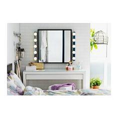 IKEA - MALM, Sminkebord, , Det er nok av plass til sminke og smykker i de brede skuffene, som er foret med filt.Du trenger ikke bekymre deg for flekker, siden det slitesterke glasset i bordplata er enkelt å tørke rent.Kan suppleres med et vegg- eller bordspeil i en stil og størrelse du liker.Skuffen som er enkel å åpne og stenge har uttrekksstopp.