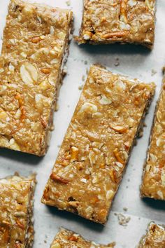 Make any of these 10 delicious and healthy homemade granola bar recipes that are gluten free and dairy free (and many are vegan too! Perfect for a quick healthy snack for kids and adults alike! Granola Bars Peanut Butter, Healthy Granola Bars, Homemade Granola Bars, Healthy Snacks, Healthy Breakfasts, Protein Snacks, Healthy Muesli Bar Recipe, High Protein, Eating Healthy