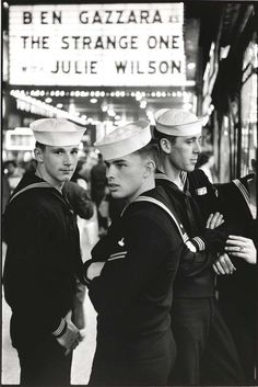 WWII US Navy sailors in NYC