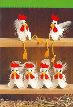 Would love to see a row of these egg carton chooks in a classroom! You could even make them for Easter - then hide an egg under each one for the children to find. Kids Crafts, Preschool Crafts, Easter Crafts, Diy And Crafts, Craft Projects, Arts And Crafts, Easter Gift, Home Crafts, Chicken Crafts