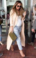 Hello revolutionary girls and boys! Hoy venimos ha enseñaros que tipo de jeans os quedaría mejor según vuestro cuerpo ya que encontrar el jean perfecto es lo que todas queremos. Cada día hay una ma…