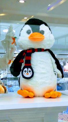 Snowman, Disney Characters, Fictional Characters, Art, Christmas Patterns, Art Background, Kunst, Snowmen, Performing Arts