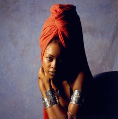 Erykah Badu photographed in Chicago in 1997.
