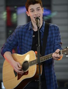 Shawn Mendes' 'Handwritten' Debuts At Number One On Billboard ...
