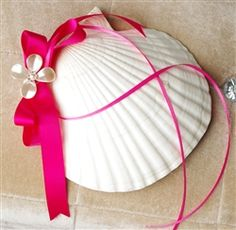 Large Sheashell Beach Ring Pillow
