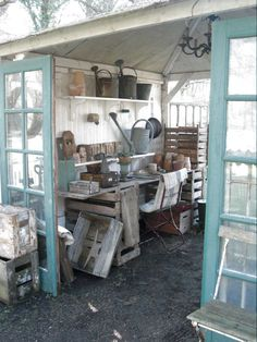 like the use of the doors (Diy Garden Shed)