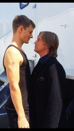 Giles Matthey and Robert on set of S6; from Giles twitter.