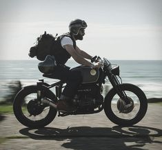 """Our Friday custom motorbike crush comes from Italy´s South Garage. The spectacular build is based on a BMW R75/5 from 1979, and it was given the name Nerboruta"""", an Italian term used to describe something brawny, muscular and sinewy, which perfectly"""