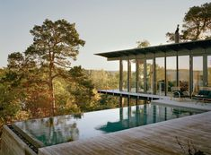 A Contemporary Swedish Hillside Cabin (With An Incredible Infinity Pool! Designed by Andreas Martin-Löf architect. Scandinavian Architecture, Scandinavian Home, Colonial Architecture, Andreas Martin, Infinity Pool, Hillside House, Hillside Pool, Nordic Design, Maine House