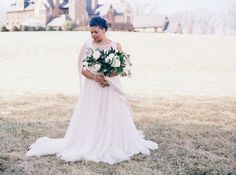 {STYLED SHOOT} Classic Romance at a Luxury Estate | Nikki Santerre Photography | Pretty Pear Bride