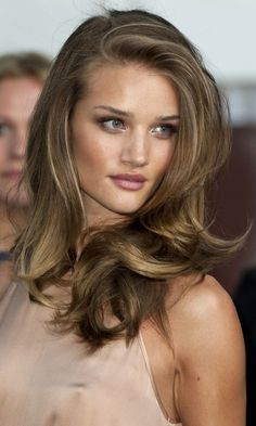 Dirty Blonde Hair Color Chart Pictures Ideas Ombre & Highlights Natural Light Brown & Best - All About Hairstyles Blonde Light Brown Hair, Ash Brown Hair Color, Brown Hair With Blonde Highlights, Hair Highlights, Dark Blonde, Mousy Brown Hair, Highlights 2016, Caramel Highlights, Black Hair Green Eyes