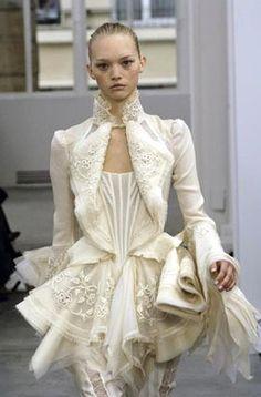 Balenciaga Spring/Summer 2006 haute couture dress wedding dress bridal runaway…