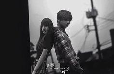 Kpop Couples, Cute Couples, Bts Blackpink, My Photos, Couple Photos, Blackpink And Bts, Korean Street Fashion, Bts Fans, Blackpink Lisa
