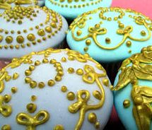 Marie Antoinette Collection cupcakes.
