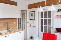 Rohová kuchyně do bytu v panelovém domě, Rokycany   Kuchyně ELZA Kitchen Design, Kitchen Cabinets, Home Decor, Houses, Decoration Home, Design Of Kitchen, Room Decor, Cabinets, Home Interior Design