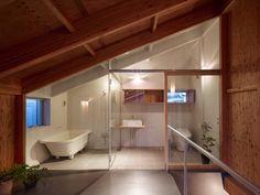 House In Seya / Suppose Design Office. DachgeschossInnenarchitektur BadezimmerHolz InnenarchitekturBadezimmer EinrichtungDachgeschoss  BadezimmerOffenes ...