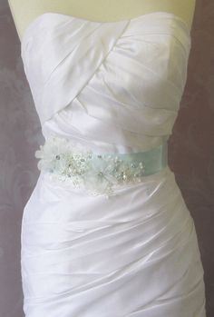 Find More Wedding Dresses Information about New Arrival Custom Made High Quality Flower Handmade and Beading with Crystal Wedding Brand cinto feminino 2014 Wedding Belts,High Quality flower water,China flower carpet Suppliers, Cheap flower beads acrylic from dream dress house on Aliexpress.com