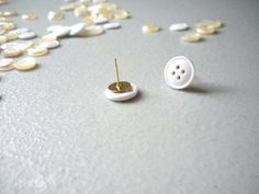 I love this idea for pins to go with the cork board!