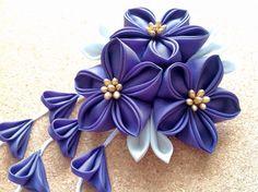 紫の三輪桔梗ヘアクリップの画像1枚目