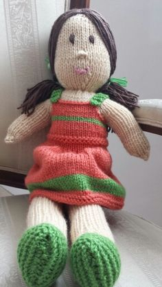 Muñecas tejida a dos agujas. Knitting doll