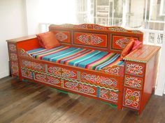 I would love to have an entire set of traditionally pained Mongolian furniture ... maybe for the Guest Ger in the back yard ;)