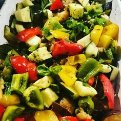 Meal-prepping by roasting some more amazing veggies   #roastedveggies #mealprep #mealprepping #eatfresh #freshveggies #freshveg #instacook #instafood #eathealthy #healthyeating #foodrevolution #peppers #aubergine #courgette #basil