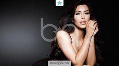 Kim Kardashian yeni saç kesimiyle objektiflere çıktı. Uzun saçlarına kıyan Kardashian'ın bakalım siz yeni stilini nasıl bulacaksınız!<br…
