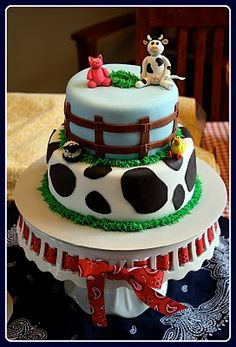 Parties and Pretties: Barnyard Birthday Party