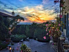 È possibile tanta #bellezza? - #byblosarthotel #sunset #verona #valpolicella #igersverona #instatravel #luxurytravel #picoftheday #view #nature #sky #capture #arthotel #instagood #moment #emotions