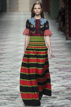 Gucci Spring 2016 Ready-to-Wear Fashion Show - Polina Oganicheva