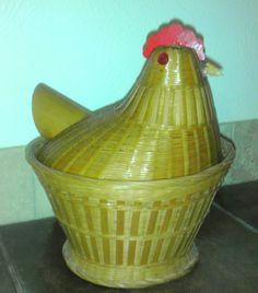 Wicker chicken basket, vintage muffin basket