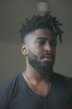 Welcome to the /r/hair community! This community is all about hair and beauty. Black Men Haircuts, Black Men Hairstyles, Hairstyles Haircuts, Cool Hairstyles, Pinterest Hairstyles, Hair And Beard Styles, Curly Hair Styles, Natural Hair Styles, Dreadlock Hairstyles For Men