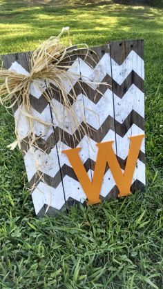 Fall sign..for front porch @linnyloo10 we have the wood for this if you want to do this for your pinterest party