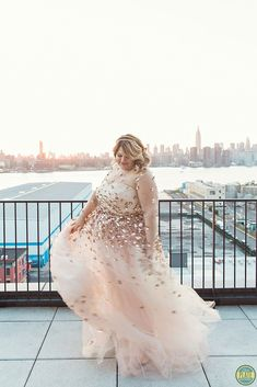 @nicolettemason gets hitched in Christian Siriano <3