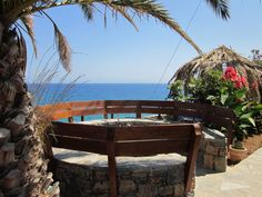 ... there is a Nice Village Somewhere with a Small Hotel with Sea Views, Quiet, Good Hospitality and a Wonderful Garden and Flowers.   http://www.crete-hotels-rooms.com/Reservations/Mochlos_Mare.htm