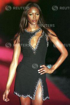 Gai Mattiolo - Autumn Winter 1998 1999 - Rome's High Fashion Week - 14 July 1998 - Naomi Campbell
