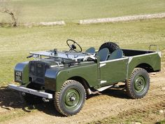 """Does it get any better than a Land Rover Series 1 80""""?"""