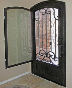 puerta door with built in screen