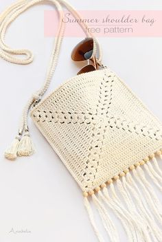 Mini Crochet Shoulder Bag, free instructions by Anabelia Craft Design - . Mini Crochet Shoulder Bag, Free Instructions by Anabelia Craft Design - Always as. Crochet Handbags, Crochet Purses, Crochet Bags, Crochet Baskets, Crochet Clothes, Crochet Coin Purse, Crochet Backpack, Crochet Diy, Crochet Granny