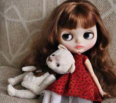 #blythe #blythedoll #customblythedoll #customblythe #customdoll #bjd #teddybear #collection #ooakblythedoll #handmade #instablythe #blythestagram #blythephotography #doll #interior #avlcustomdolls @olaaadanilova #happy #home 🏡