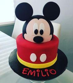 Birthday Cake Boys Diy Mickey Mouse 19 Ideas For 2019 – Birthday Pastel Mickey Mouse Niño, Mickey And Minnie Cake, Bolo Mickey, Mickey Cakes, Minnie Mouse Cake, Mickey Mouse Theme Party, Mickey Mouse First Birthday, Mickey Mouse Clubhouse Birthday Party, Baby Birthday Cakes
