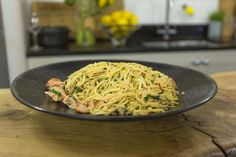 Home made pasta with a spicy chilli and garlic salmon sauce. This recipe serves 8 is perfect to make when you're entertaining! Salmon Recipes, Seafood Recipes, Pasta Recipes, Soup Recipes, Chicken Recipes, Savoury Recipes, Rice Recipes, Sauce For Salmon, Spicy Salmon
