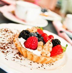 Ohlàlà V Tartes-shop   French Café, open from tue - fri 12:00-19:00, sat 11:00-18:00 & sun 14:00-19:00, Mainzerstr. 18, S Ostkreuz #vegan #Berlin