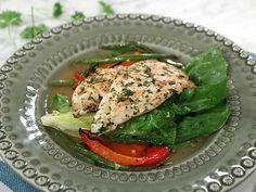 Kyckling paillard Salmon Burgers, Thai Red Curry, Fresh, Meat, Chicken, Ethnic Recipes, Food, Green Bean, Lemon