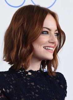 coupe carré wavy cheveux roux Emma Stone