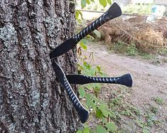 Rebar Throwing knives set of 3 image 0 Forging Knives, Blacksmithing Knives, Forged Knife, Welding Art Projects, Blacksmith Projects, Metal Projects, Welding Crafts, Cool Knives, Knives And Swords