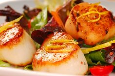 Seared Sea Scallops with oregano & thyme. Super fast #recipe that's ready in just 16 minutes. #30MinuteMeal
