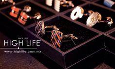 Las mancuernillas son un accesorio muy elegante que se porta exclusivamente con traje completo y corbata. #HighLife